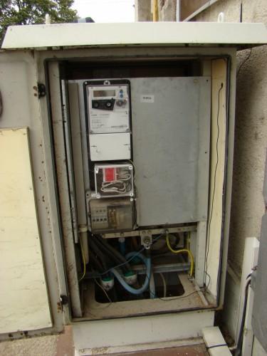 Erőátviteli elosztó villamos mérőórával